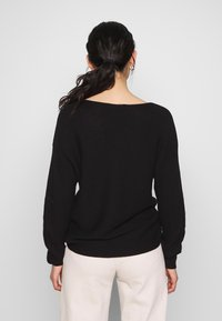 ONLY - ONLCLARA BOATNECK - Strikkegenser - black - 2
