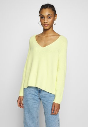 ONLMISCHA V-NECK - Sweter - pineapple slice
