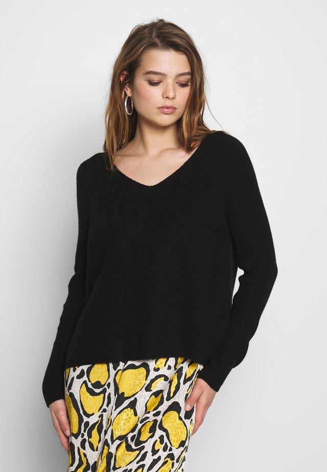 ONLMISCHA V-NECK - Jersey de punto - black