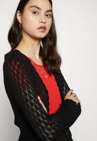 ONLY - ONLTULLA BOLERO - Cardigan - black - 3