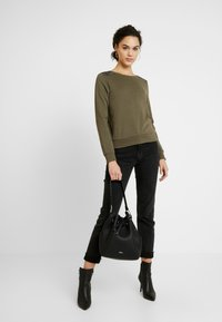 ONLY - ONLPUTTE O-NECK - Sweater - kalamata - 1