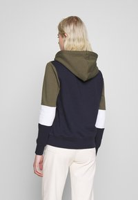 ONLY - ONLPEAR BLOCKING HOOD - Sweat à capuche - kalamata/white/night sky - 2
