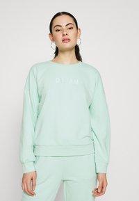 ONLY - SET SWEATSHIRT AND PANTS - Sweatshirt - mist green - 2