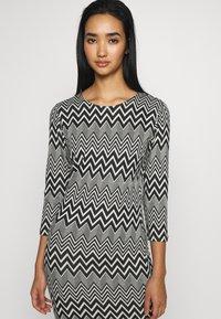 ONLY - ONLVIGGA ONECK DRESS - Shift dress - cloud dancer/zigzag black - 4