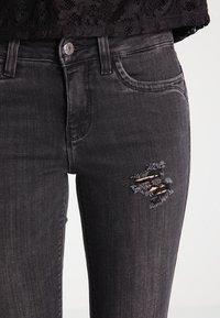 ONLY - ONLKENDELL - Skinny džíny - grey denim - 3