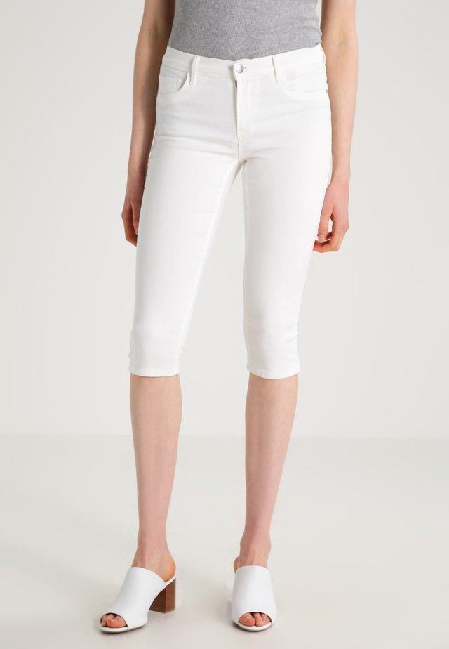 ONLRAIN - Jeansshort - white