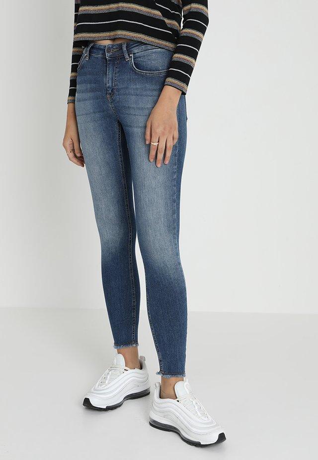 ONLBLUSH MID ANKLE RAW - Jeans Skinny Fit - dark blue denim