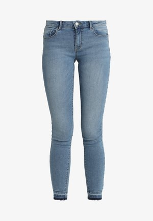 ONLDAISY LOW PUSHUP - Vaqueros pitillo - medium blue denim