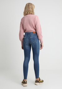ONLY - ONLPAOLA - Jeans Skinny Fit - medium blue denim