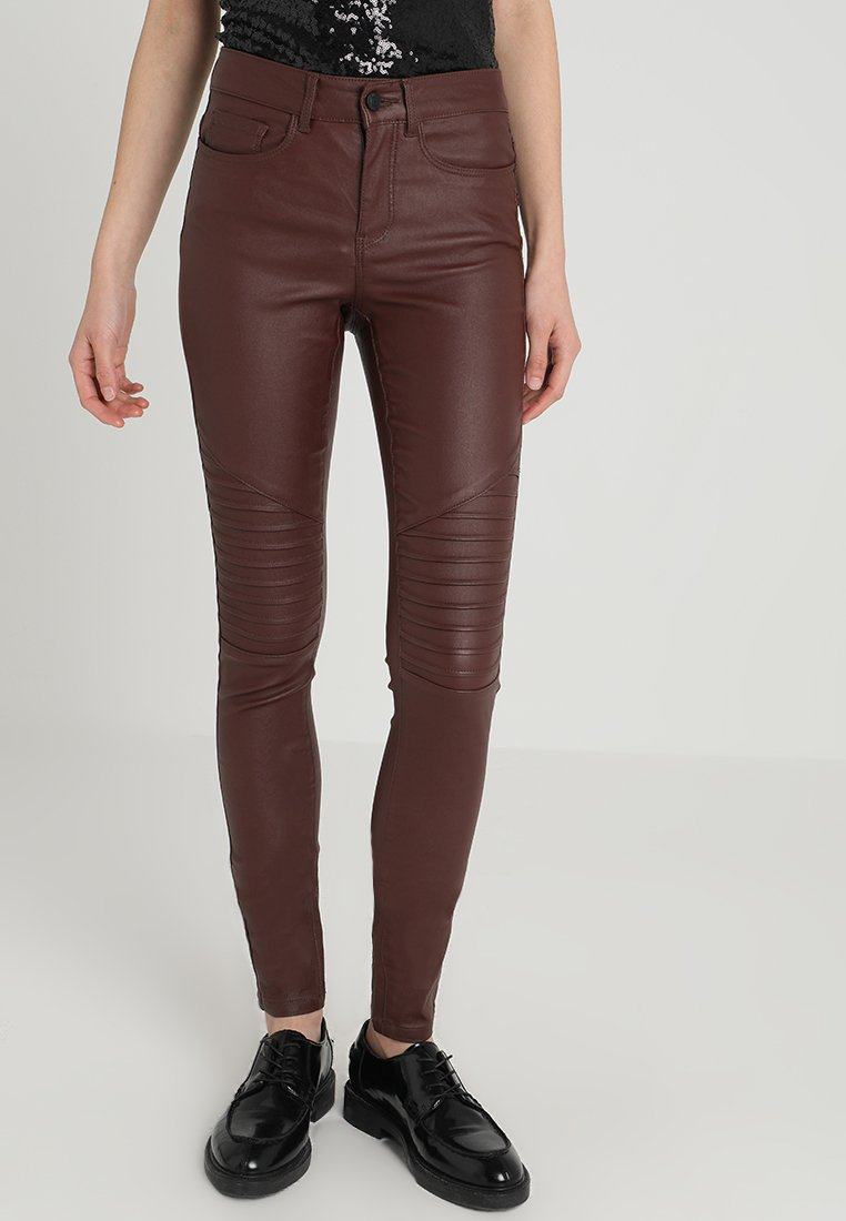 ONLY - ONLANNE MID WAIST COATED BIKER - Trousers - bitter chocolate