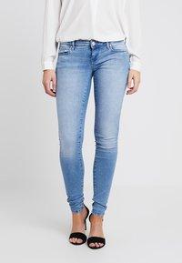 ONLY - ONLCORAL - Jeans Skinny Fit - light blue denim - 0