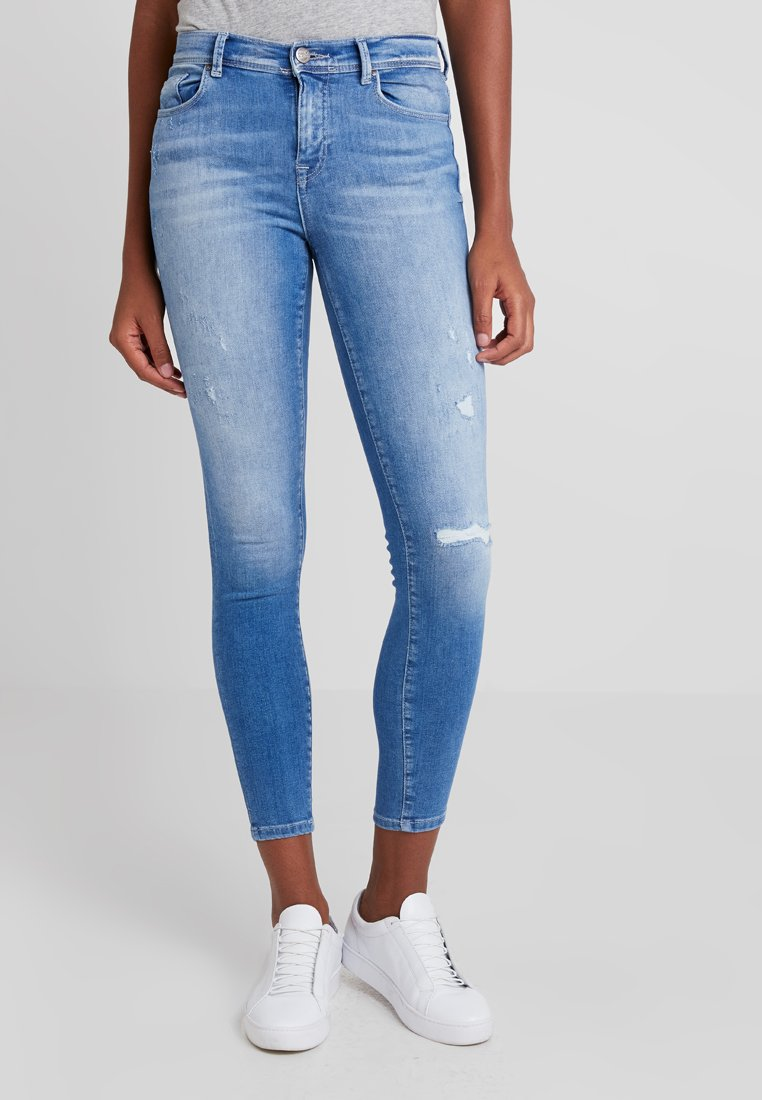 ONLY - ONLCARMEN SKANK - Jeans Skinny Fit - medium blue denim
