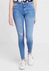 ONLY - ONLPAOLA HIGHWAIST - Jeans Skinny Fit - light blue denim - 0