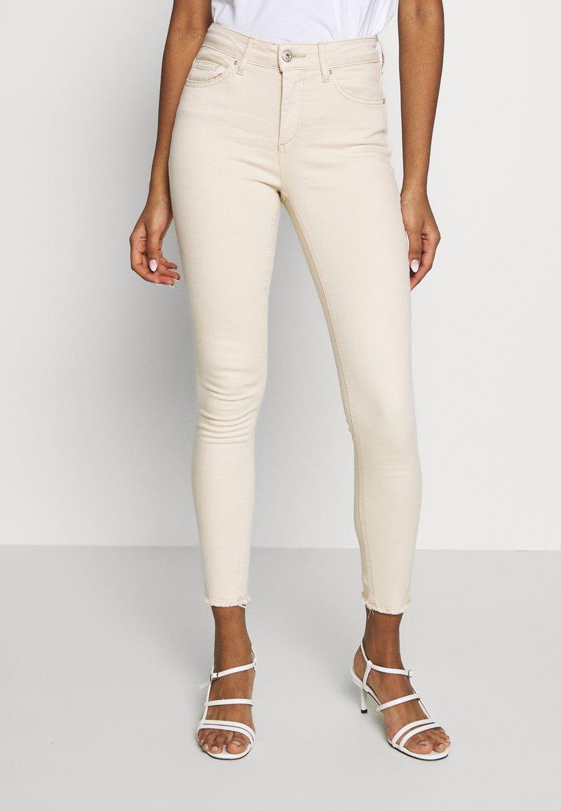 ONLY - ONLBLUSH  - Jeans Skinny Fit - ecru