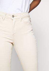 ONLY - ONLBLUSH  - Jeans Skinny Fit - ecru - 4