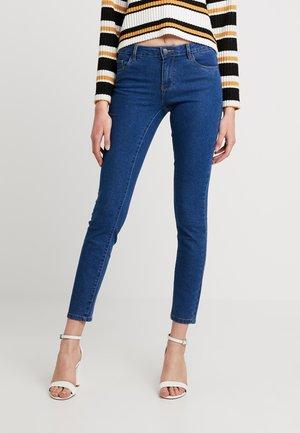 ONLAMAZE  - Jeansy Skinny Fit - medium blue denim