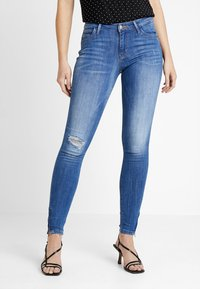 ONLY - ONLKENDELL REG ANKLE - Vaqueros pitillo - medium blue denim - 0