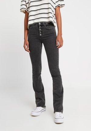 ONLBLUSH SWEET FLARED - Flared jeans - black denim