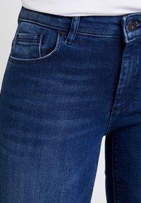 ONLY - ONLFCARMEN - Skinny džíny - dark blue denim - 3