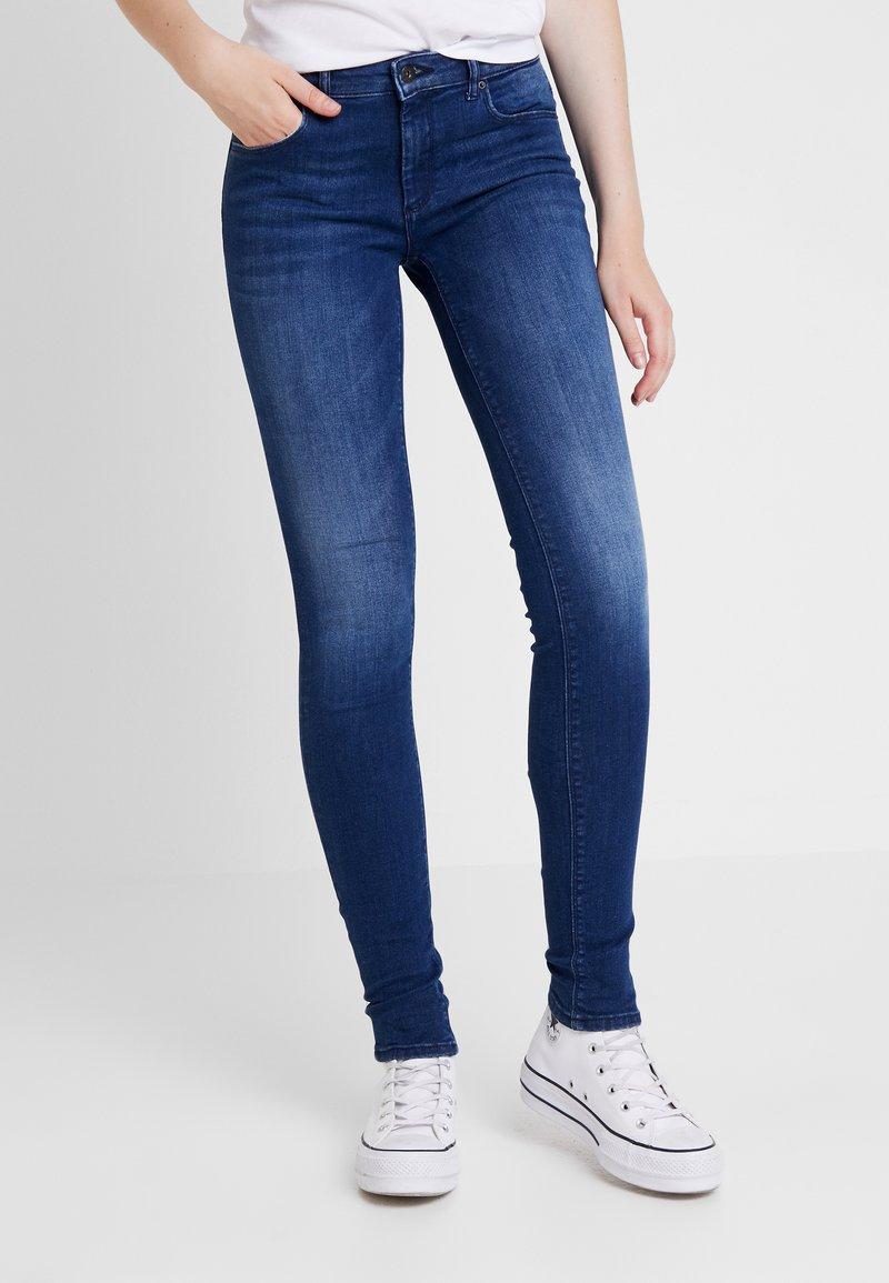 ONLY - ONLFCARMEN - Skinny džíny - dark blue denim