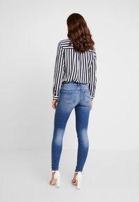 ONLY - ONLCARMEN - Skinny džíny - dark blue denim - 2