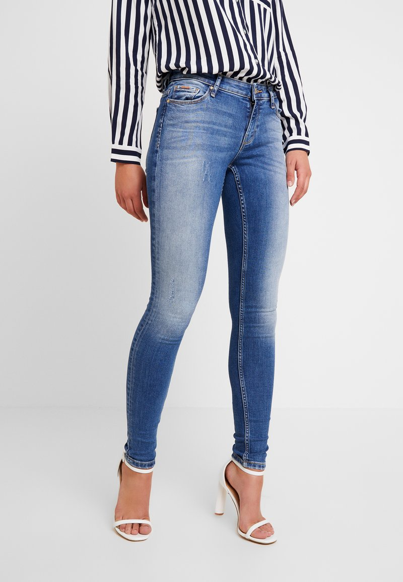 ONLY - ONLCARMEN - Skinny džíny - dark blue denim