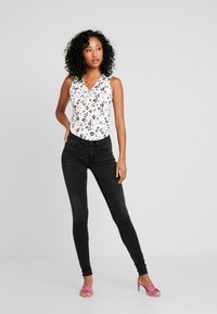 ONLY - ONLROYAL  - Jeans Skinny Fit - black denim - 1