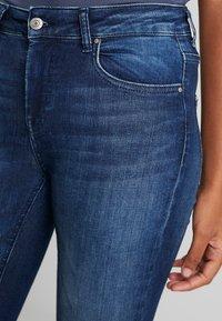 ONLY - ONLBLUSH MID - Jeans Skinny Fit - dark blue denim - 5