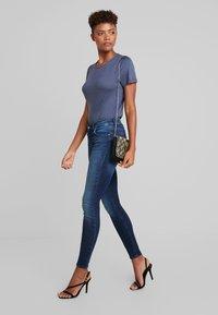 ONLY - ONLBLUSH MID - Jeans Skinny Fit - dark blue denim - 1