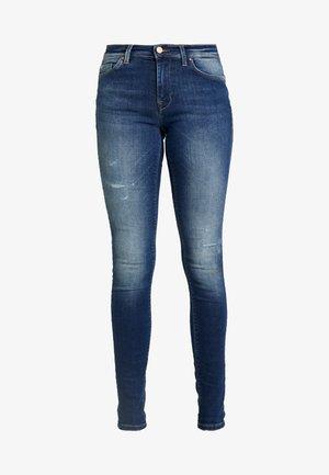ONLCARMEN REG - Skinny džíny - dark blue denim