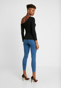 ONLY - ONLFHI MAX LIFE BOX - Jeans Skinny Fit - medium blue denim - 2