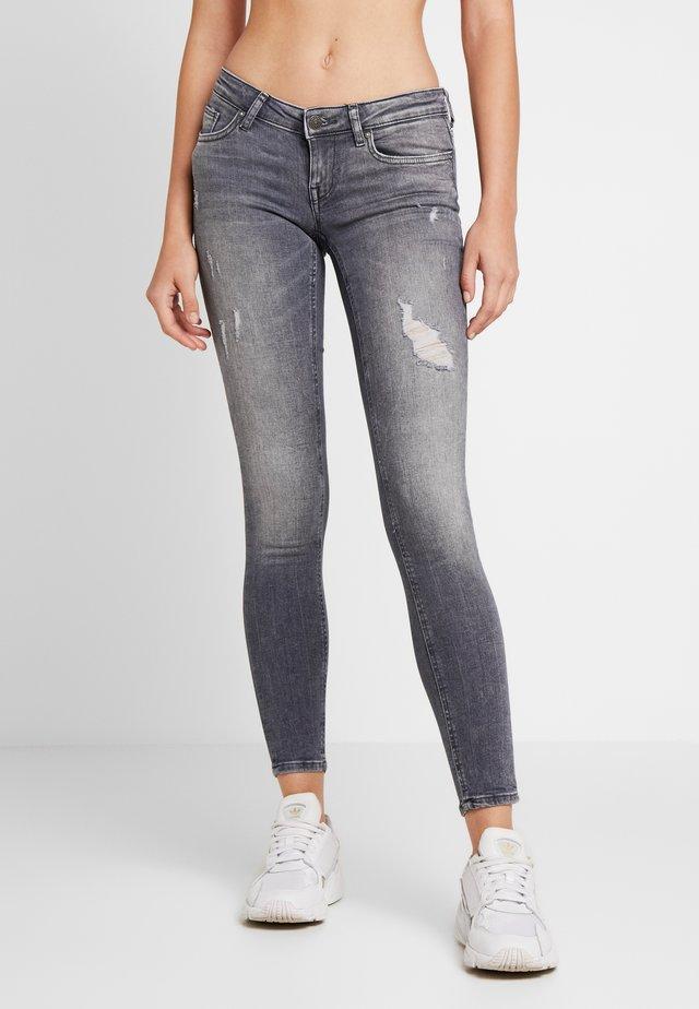 ONLCORAL - Jeans Skinny Fit - grey denim
