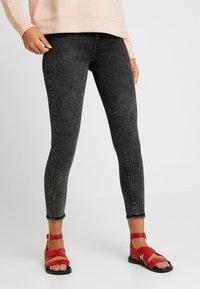 ONLY - ONLBLUSH MID ACID - Jeans Skinny Fit - black denim - 0