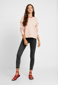 ONLY - ONLBLUSH MID ACID - Jeans Skinny Fit - black denim - 1