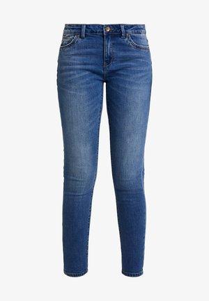 ONLCARMEN REG ANK - Jeans Skinny Fit - medium blue denim