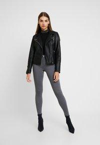 ONLY - ONLDOOLEY MID - Jeans Skinny Fit - grey denim - 1