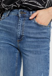 ONLY - ONLSIENNA SLIM ANKLE - Jeans Skinny - medium blue denim - 3
