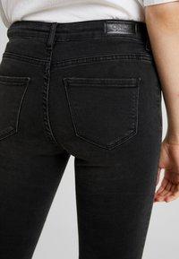 ONLY - ONLSHAPE LIVA  - Skinny džíny - black denim - 5
