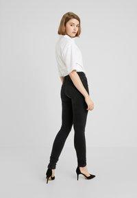 ONLY - ONLSHAPE LIVA  - Skinny džíny - black denim - 2