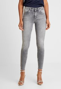 ONLY - ONLBLUSH - Jeansy Skinny Fit - grey denim - 0
