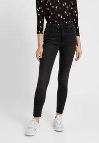 ONLY - ONLMILA - Jeans Skinny Fit - black denim - 0