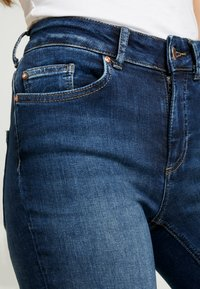 ONLY - ONLBLUSH RAW REA - Jeans Skinny - dark blue denim - 3