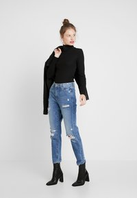 ONLY - ONLFFAYE LIFE - Jeans a sigaretta - medium blue denim - 1