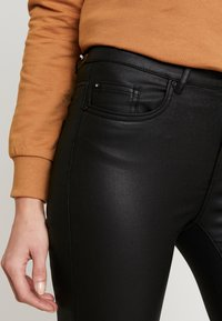 ONLY - ONLFHUSH MID ANK - Jeans Skinny Fit - black - 5