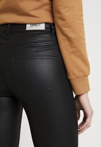 ONLY - ONLFHUSH MID ANK - Jeans Skinny Fit - black - 3