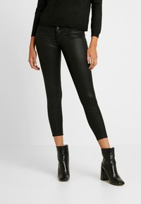 ONLY - ONLCORAL SUPERLOW LUX COATED PANT - Stoffhose - black - 0