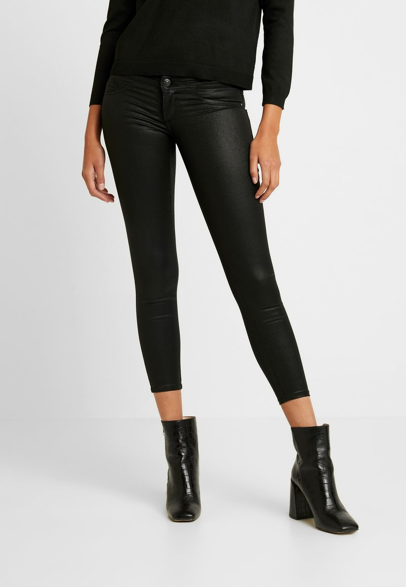 ONLY - ONLCORAL SUPERLOW LUX COATED PANT - Stoffhose - black