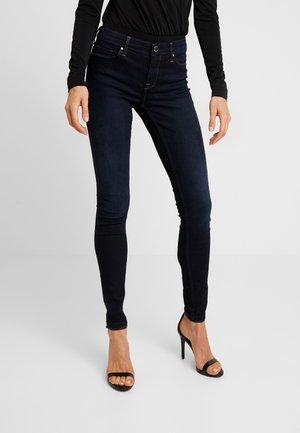 ONLCARMEN - Jeansy Skinny Fit - dark blue denim
