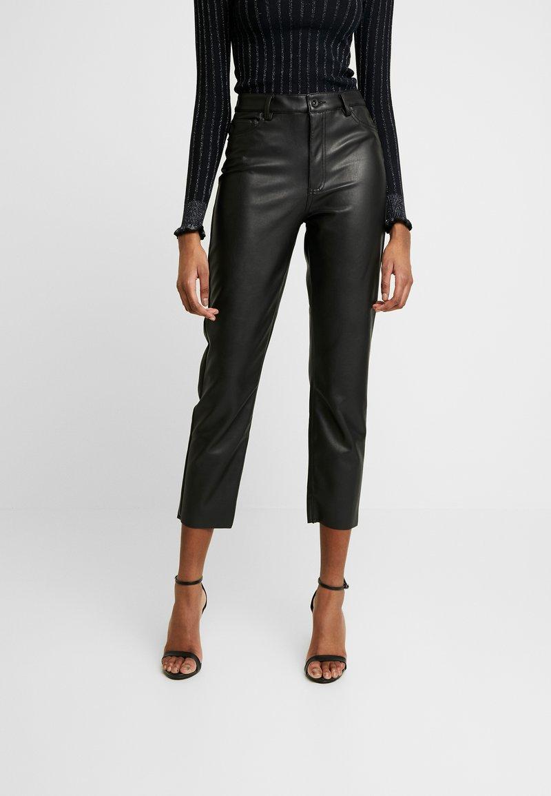 ONLY - ONLEMILY JULIA STRAIGHT CRPANK - Spodnie materiałowe - black