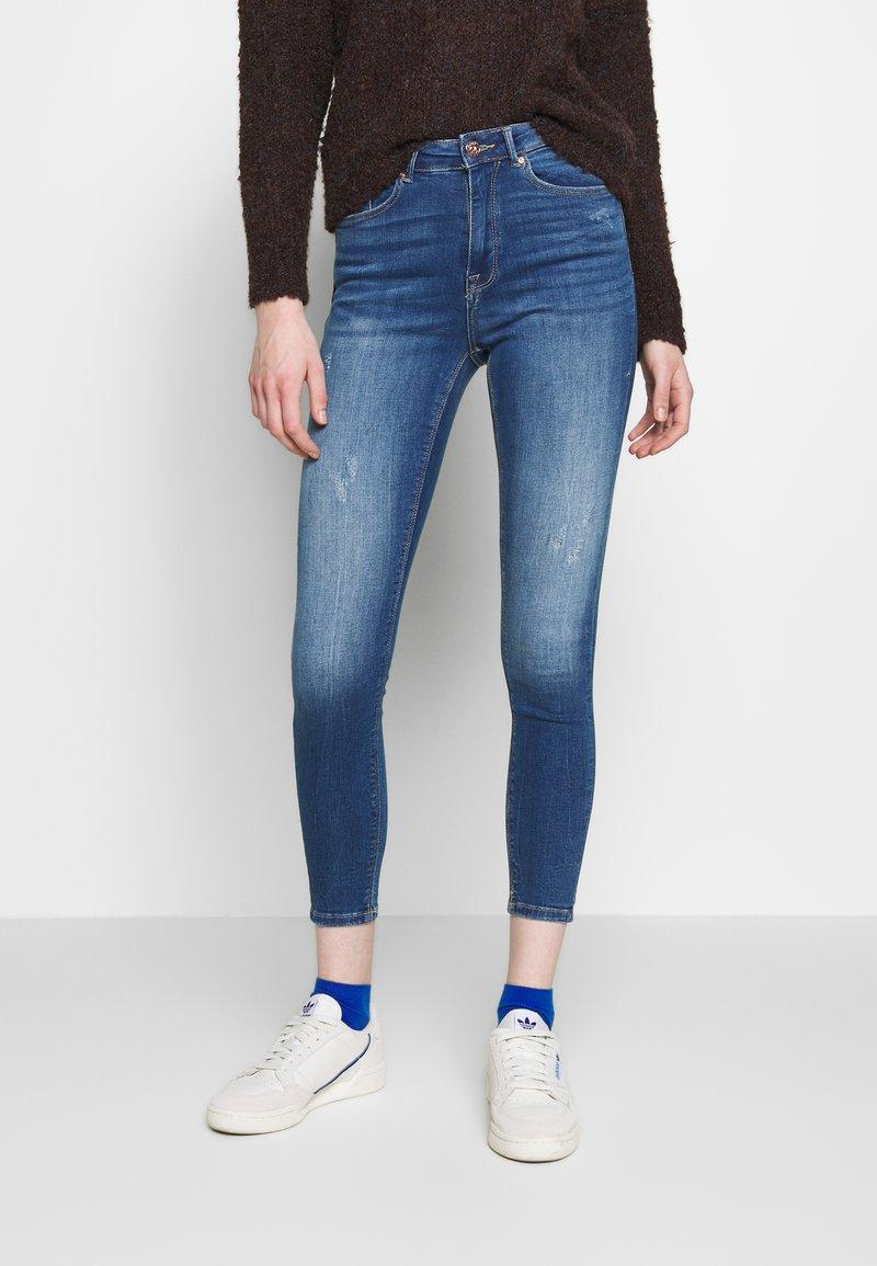 ONLY - ONLFPAOLA DESTROY - Jeans Skinny Fit - medium blue denim
